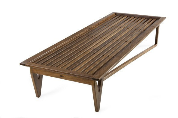 Ibirapuera bench by Amélia Tarozzo - Kelly Christian Designs