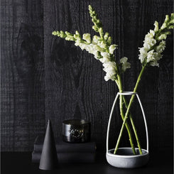 Ghost-vase-medium-decoratie