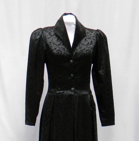 Black Victorian Coat In Satin And Velvet Flocked Print