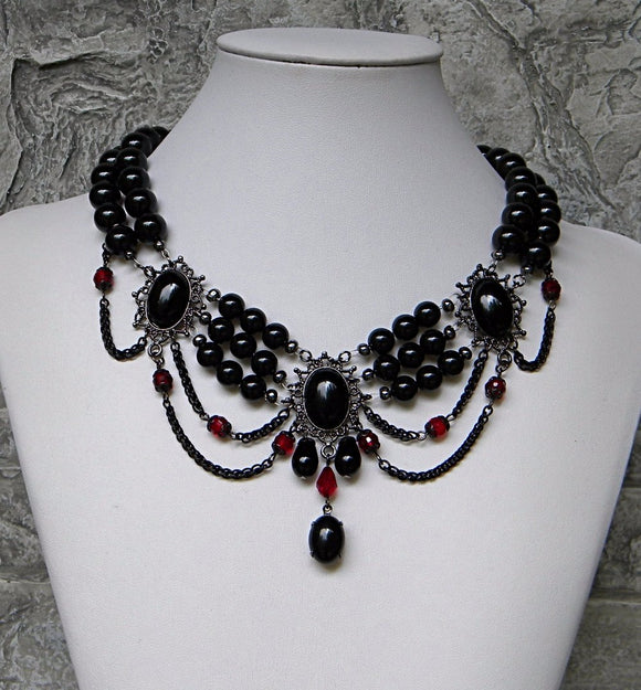 Black Pearl Victorian Madam Necklace