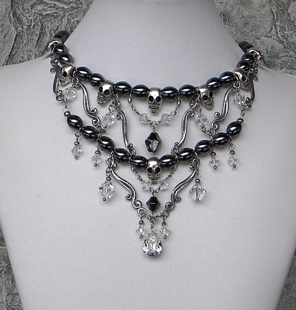 Skull Elegant Necklace Hematite Gray