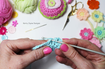 How To Make A UK Treble Crochet Stitch (USA Double Crochet)