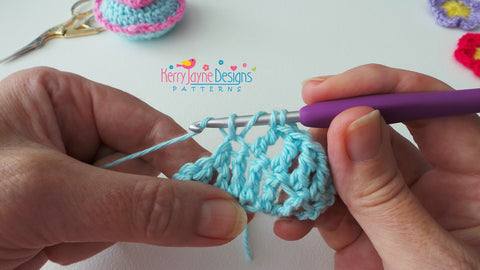 How to make a Dtr stitch - UK terms (USA Treble stitch)