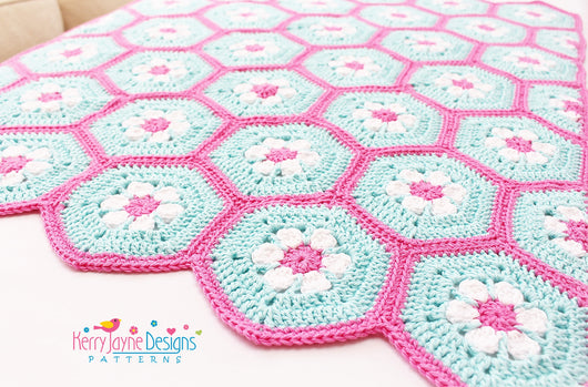 Doris Daisy Hexagon Blanket Pattern – Kerry Jayne Designs