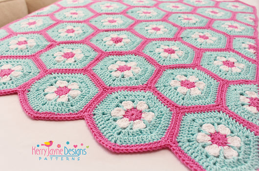 Doris Daisy Hexagon Blanket Pattern UK – Kerry Jayne Designs