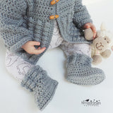 Crocheted baby booties pattern