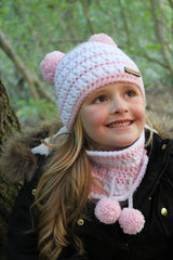 Double pom pom hat crochet pattern