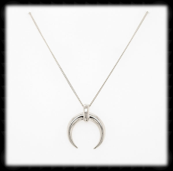 #N-MM009- Horn Necklace- Silver