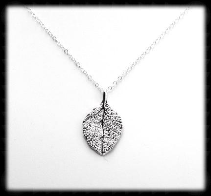 #N-MM004- Cz Leaf Necklace- Silver