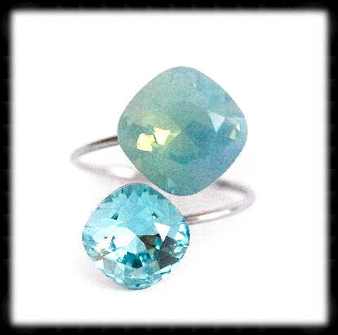 #R9942- Sparkling 2 Tone Ring- Pacific Opal Light Turquoise