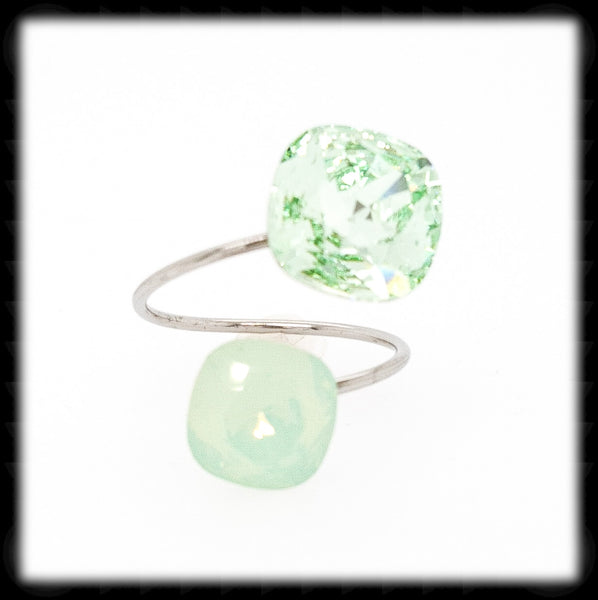 #R999- Sparkling 2 Tone Ring- Chrysolite, Chrysolite Opal
