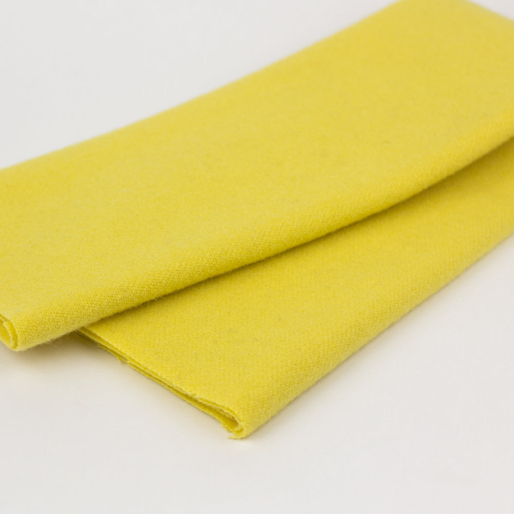 Sue Spargo Wool Fabric - Creamed Butter - Fat 1/8th