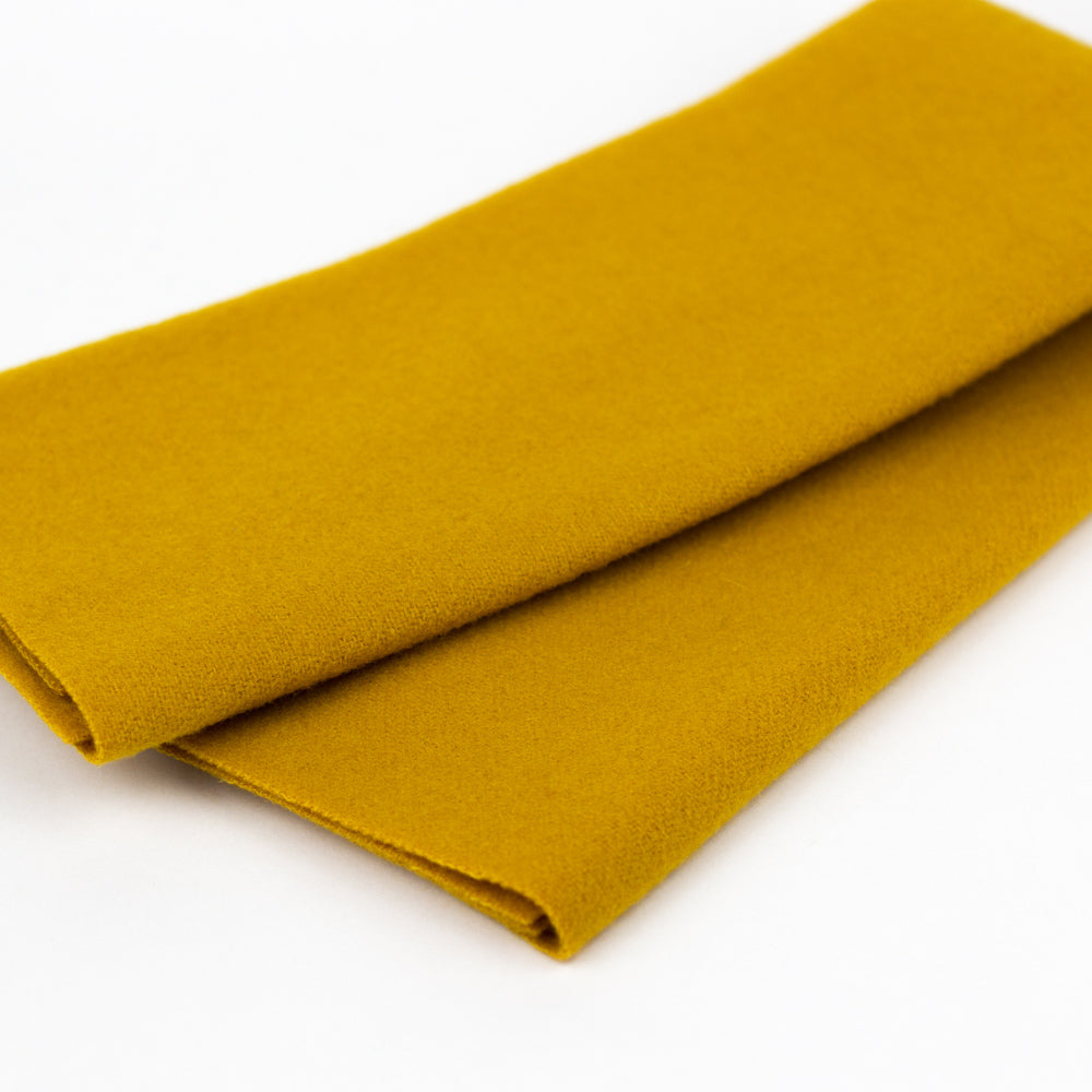 Sue Spargo Wool Fabric - Old Gold - Fat 1/8th