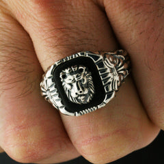 The Victorian Lion Ring