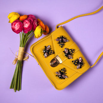 Picture of vegan handbag yellow with bees