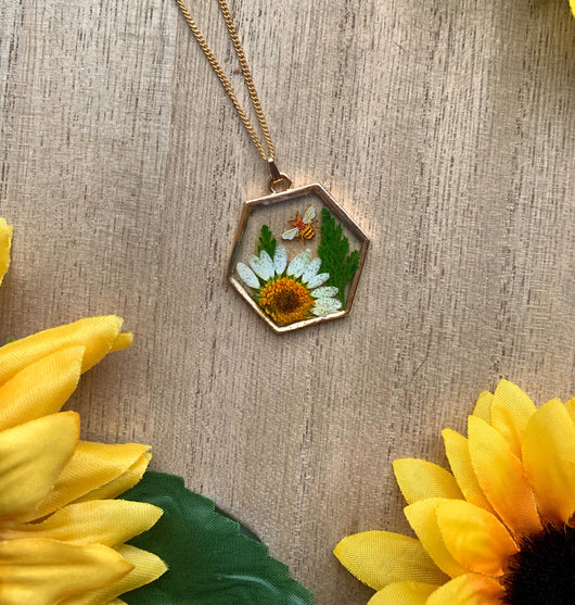 Daisy and Bee Necklace