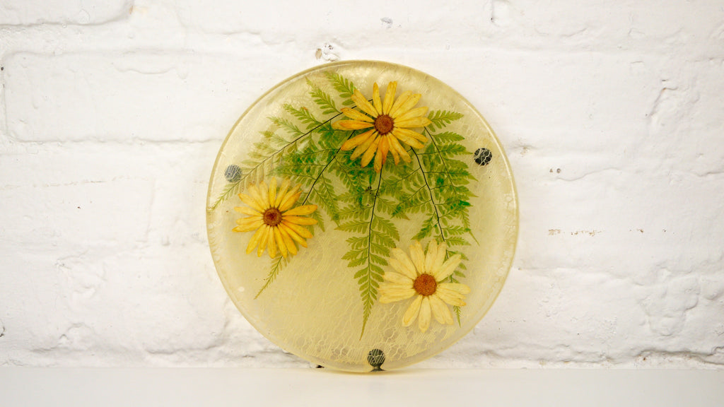 Vintage Round Resin Pressed Flower Trivet by Colorflo