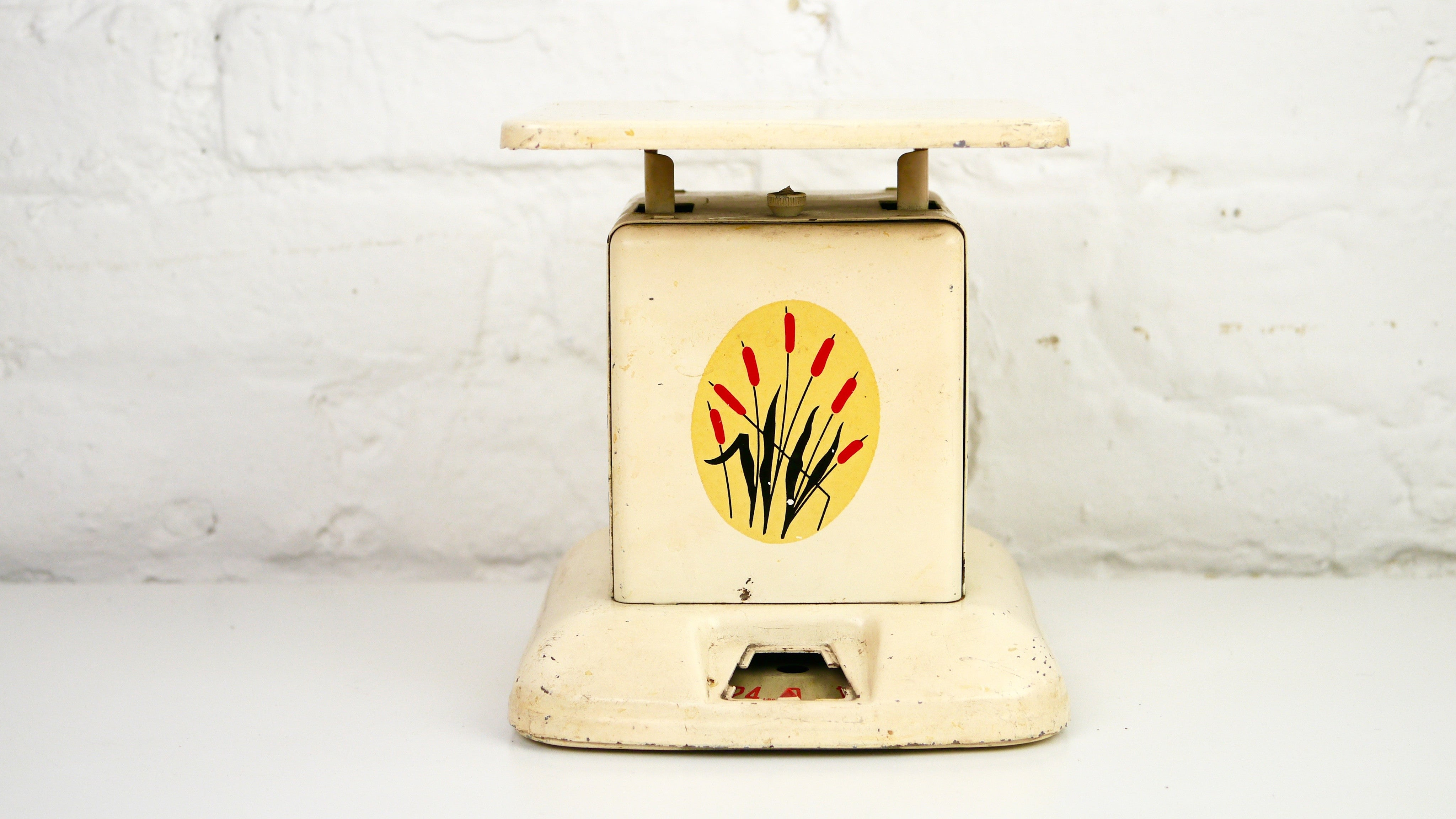 Vintage Metal Kitchen Cattails Scale Cream White Red Yellow Maid Of Ho Diamond Dust Vintage