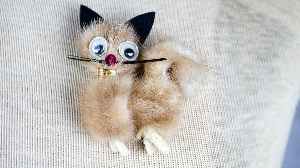 Vintage 1960s Cat Brooch Fur Mink Googly Eyes