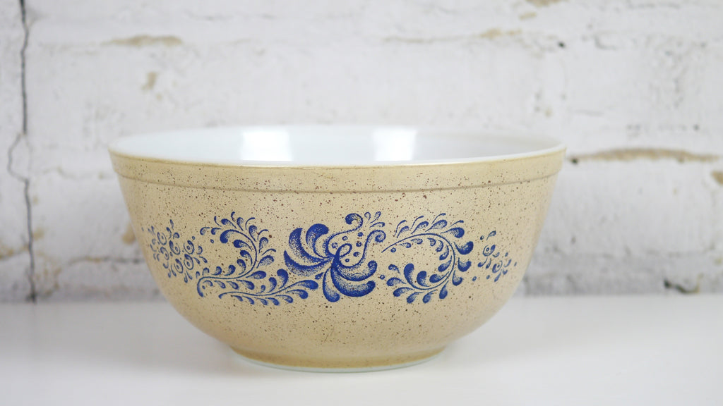 Vintage Pyrex Homestead Mixing Bowl 403