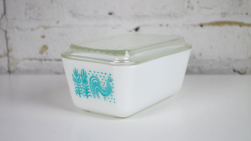 Vintage Pyrex Blue Butterprint Fridgie 0502