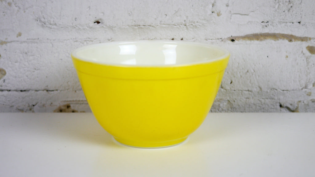 Vintage Pyrex Yellow Mixing Bowl 401