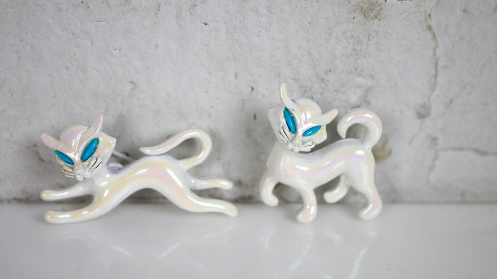 Vintage 1960s White Iridescent Cat Scatter Pins Brooch Pair Faux Turquoise Eyes
