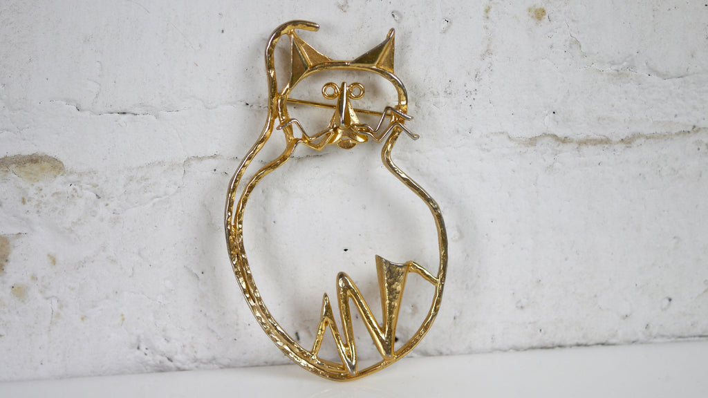 Vintage Minimal Wire Style Cat Brooch Gold Tone