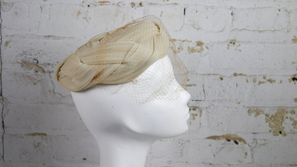 Vintage 1950s Cream Hat Veil woven criss cross thatched
