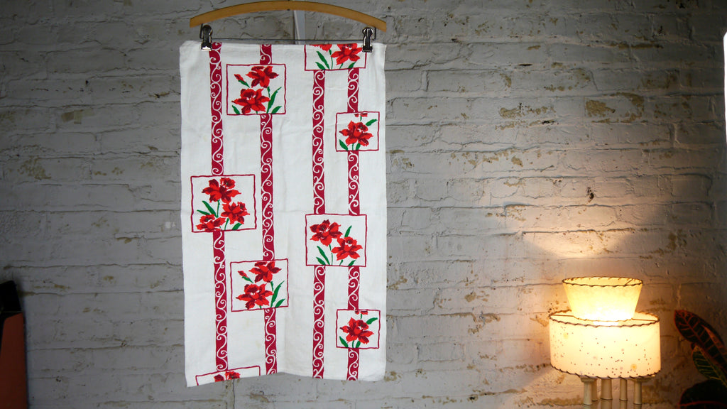 Vintage Mid Century Flower Tea Towel Red Green