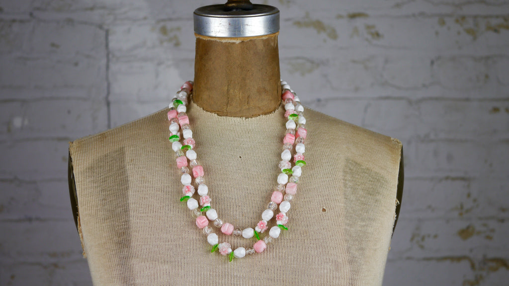 Vintage Mid Century Flower Beads Necklace Pastel Pink White Green