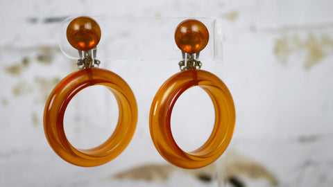 Vintage Mid Century Bakelite Hoop Clip On Earrings Apple Juice Yellow