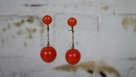 Vintage 1940s Orange Coral Early Plastic Ball Screw Back Earrings