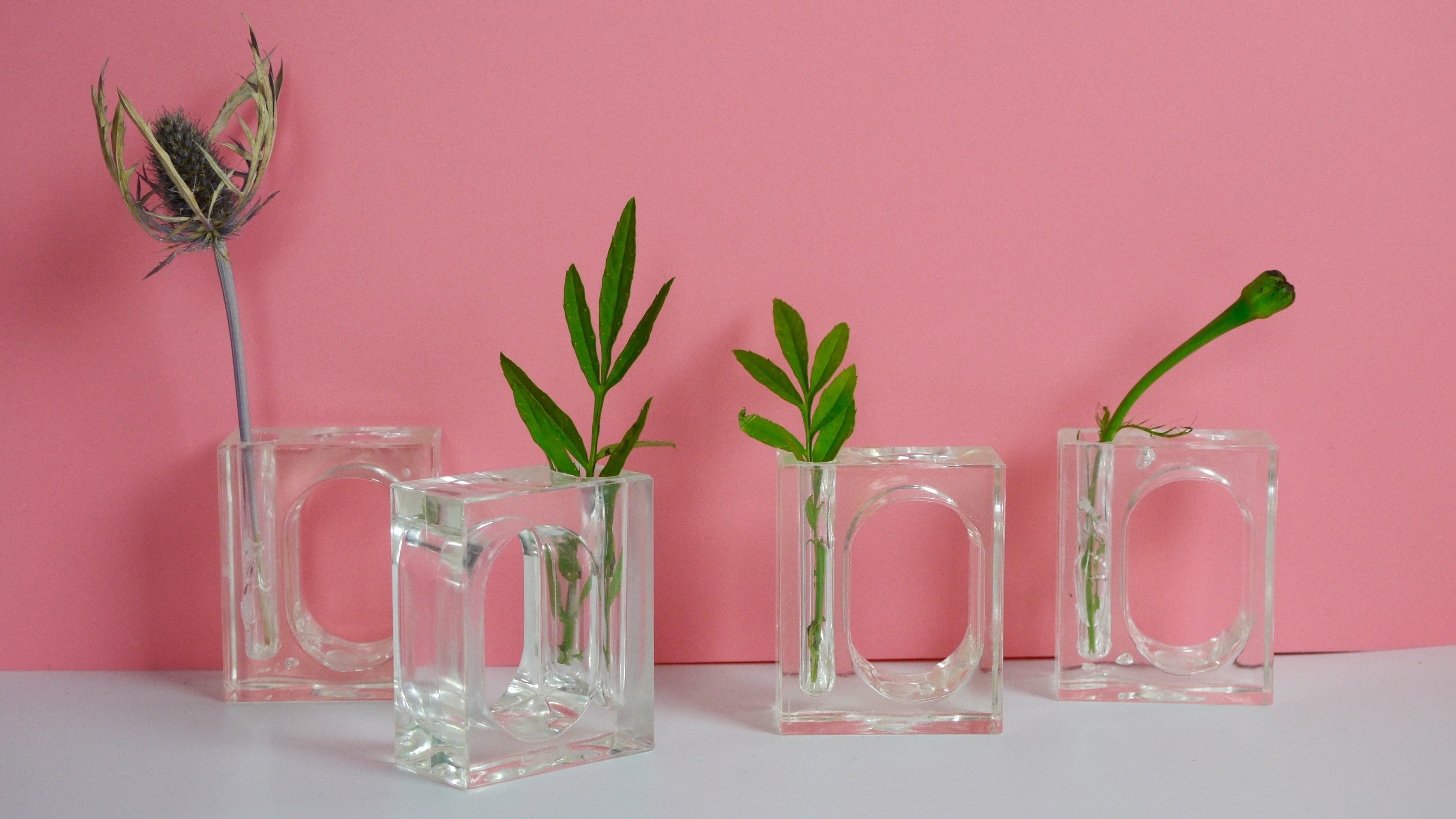 Vintage 1980s Clear Acrylic Napkin Rings Bud Vase Set of 4 Lucite ...