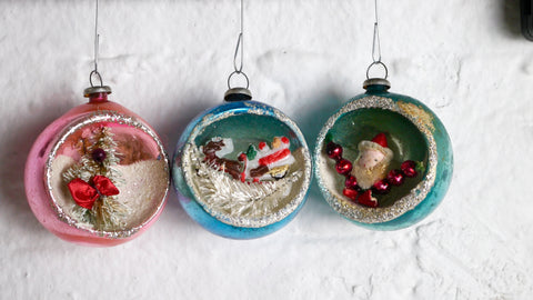 Mid Century Christmas Ornaments Diorama Jewelbrite Santa Reindeer Blue Pink Teal Set of 3