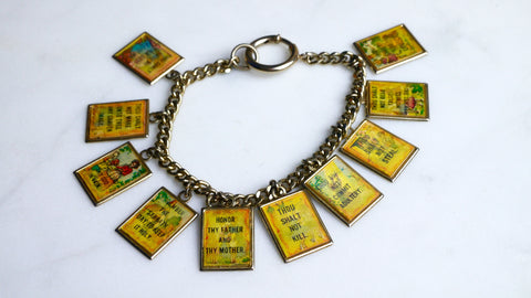 Vintage 1950s 10 Commandments Charm Bracelet Hologram Holographic