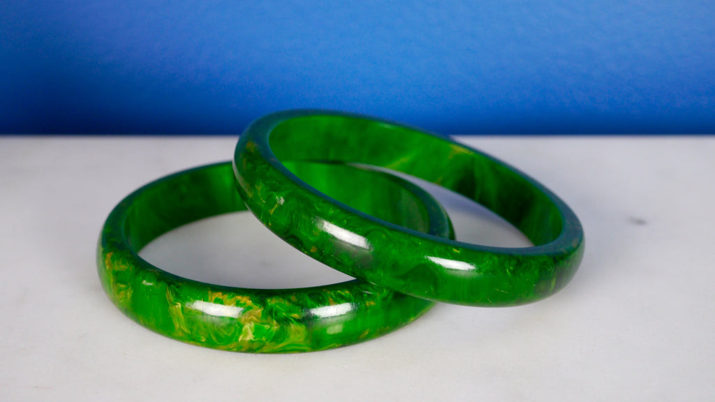 Vintage 1940s Bakelite Bangle Bracelet Pair Green Yellow Marbled