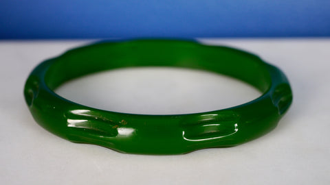 1940s Bakelite Bangle Bracelet Clear Green Prystal Carved Etched