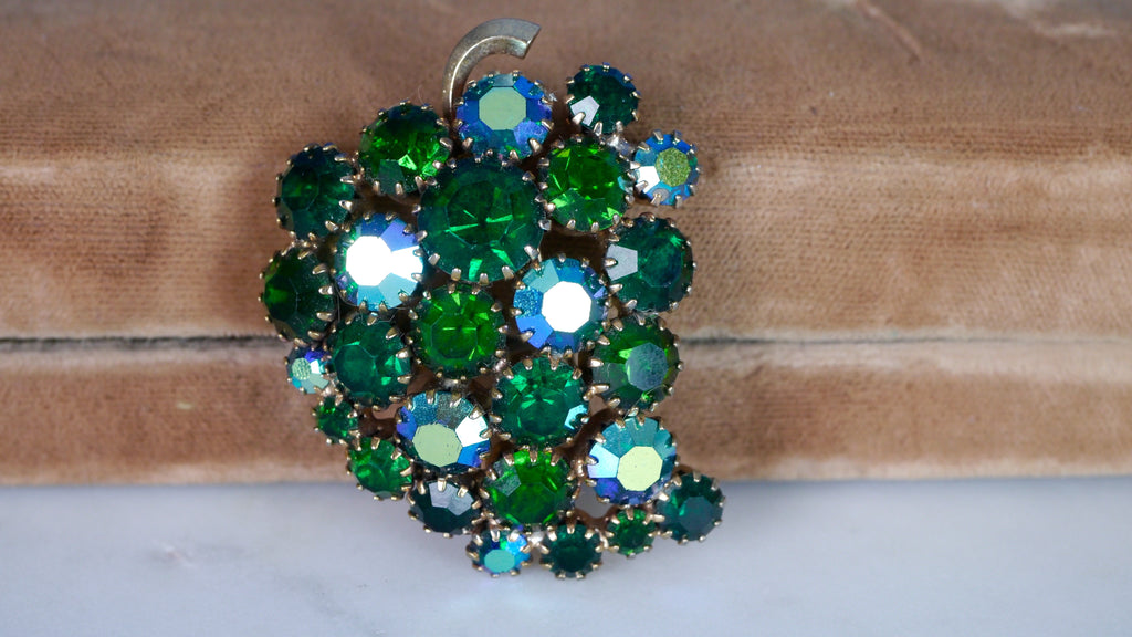 Vintage 1960s Juliana D&E Grape Brooch Green AB Aurora Borealis Iridescent