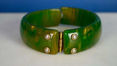 Vintage 1940s Bakelite Bracelet Bangle Green Marbled Clamper Hinge