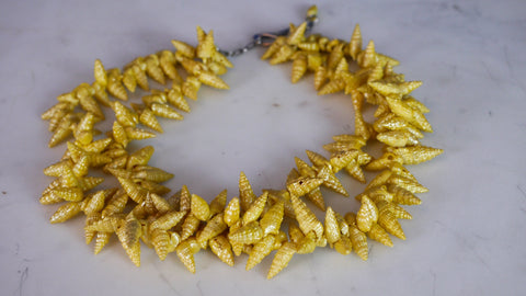 Vintage 1940s Shell Necklace Yellow Painted Double Strand Seashells