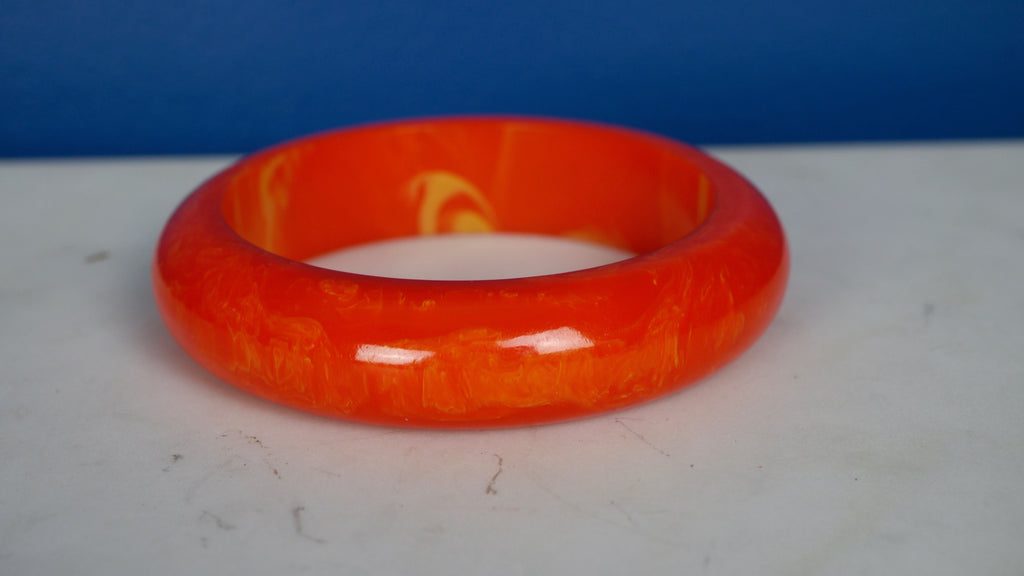 Vintage 1940s Bakelite Bangle Bracelet Tangerine Orange Marbled