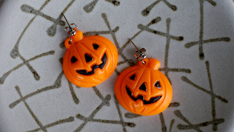 Vintage 1980s Halloween Earrings Pumpkin Jack o Lantern Charm Plastic