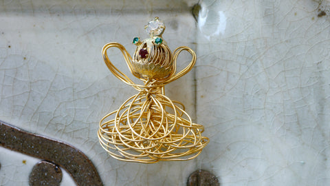 Vintage 1960s Angel Brooch Spaghetti Wire Gold Tone Christmas Rhinestones