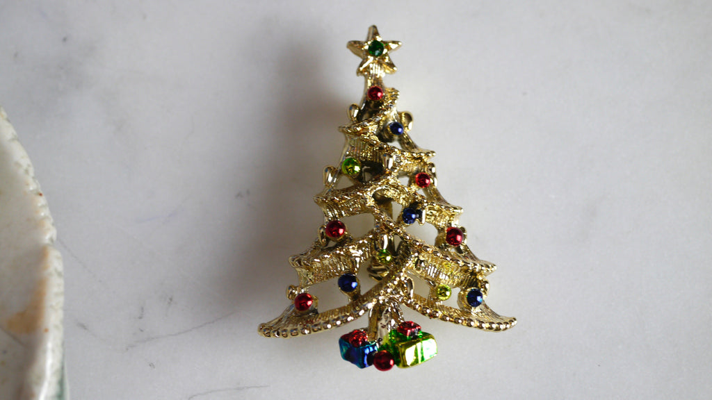 Vintage 1980s Christmas Tree Brooch Colorful Presents