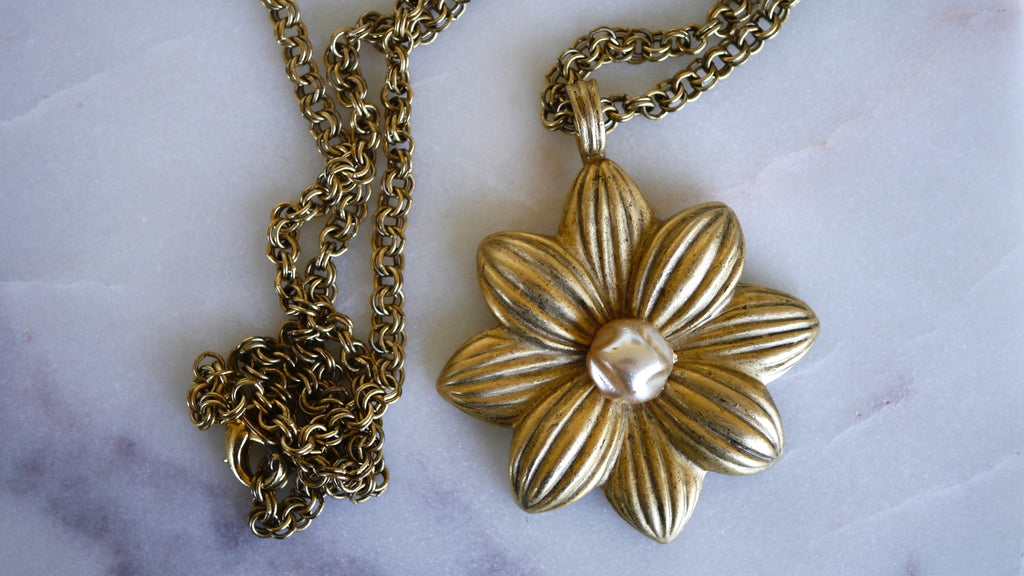 Vintage 1990s Express Daisy Flower Long Necklace Brass