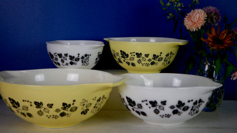 Mid Century Pyrex Gooseberry Cinderella Bowl set of 4 Yellow