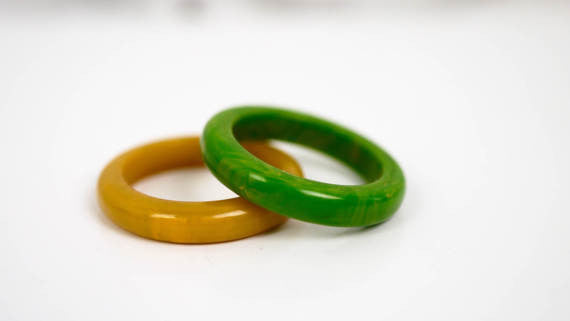 Bakelite Ring Marbled Green or Marbled Butterscotch