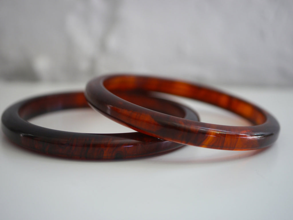 Bakelite Bangle Bracelet Rounded Marbled Root Beer