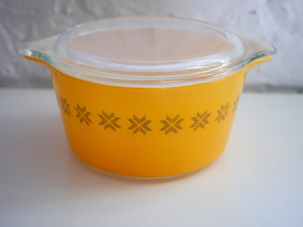 Pyrex Town and Country 1 quart Casserole Dish 473